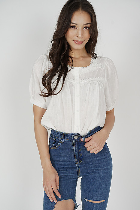 Hewie Puffy Top in White - Online Exclusive