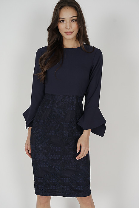 Raini Contrast Lace Dress in Midnight
