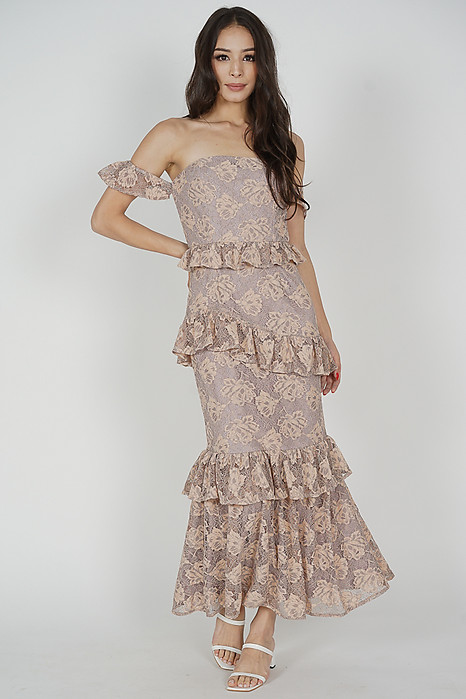 Bena Ruffled Lace Dress in Nude Grey