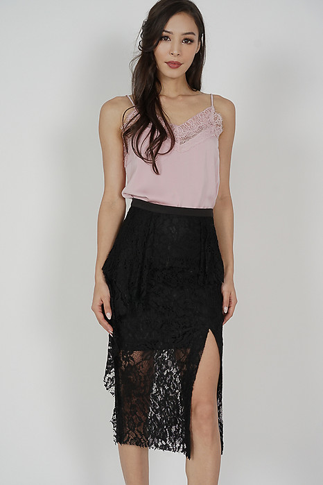 Seisha Lace Skirt in Black