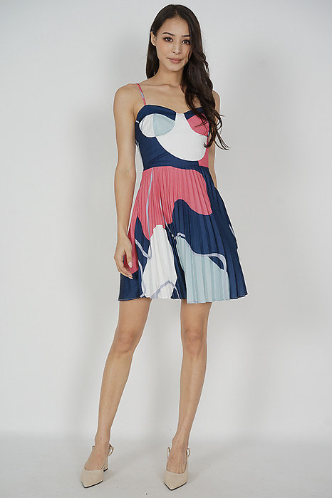 Urbi Pleated Dress in Blue Abstract
