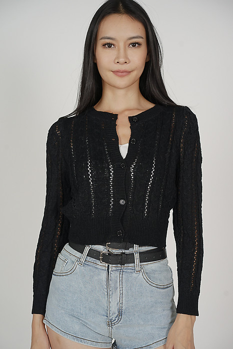 Urioe Sleeved Top in Black - Online Exclusive