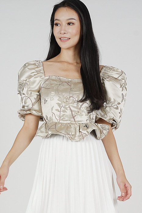 Yoshio Puffy Top in Cream Gold