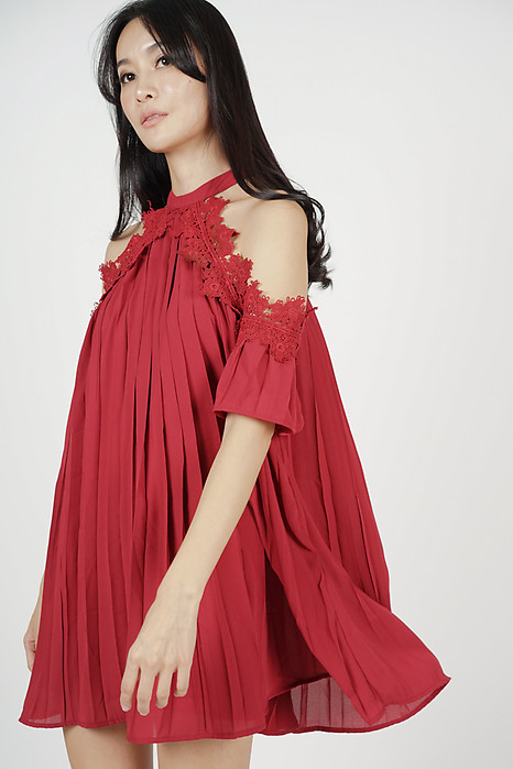 Naeva Pleated Dress in Red
