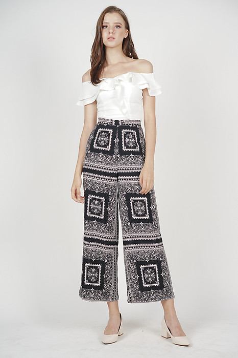 Delexa Flare Pants in Black