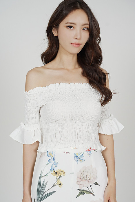Saerah Flared-Sleeve Top in White - Online Exclusive