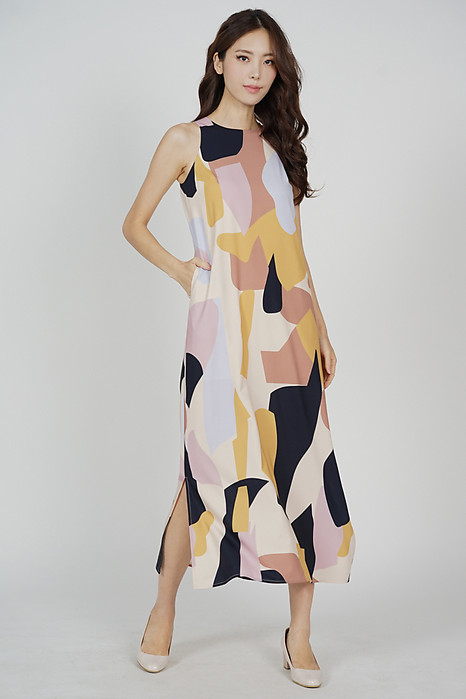 Klenia Straight Dress in Beige Abstract