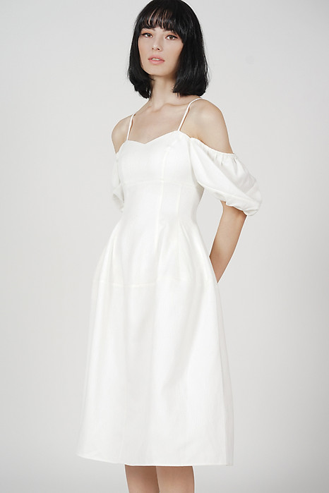 Lesla Puffy Dress in White