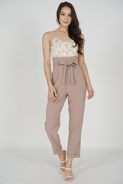Wedelia Cami Jumpsuit in Cream Floral