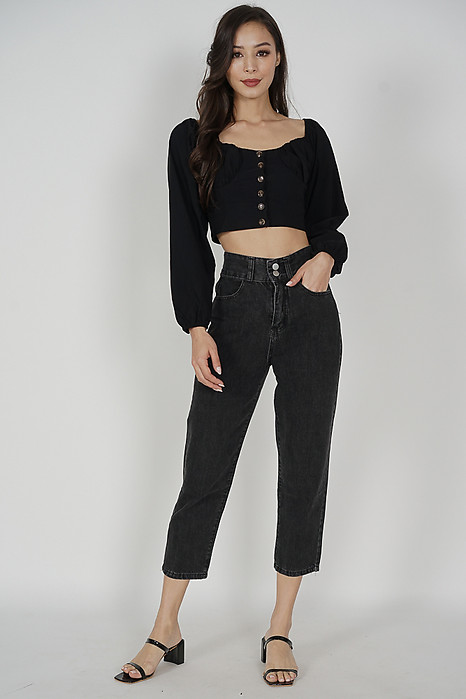 Teldo Sleeved Top in Black - Online Exclusive