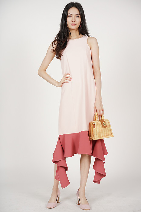 Uneven-Hem Contrast Dress in Pink