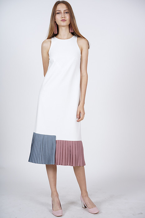 Contrast Pleated Dress in Ivory