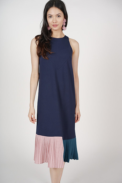 Contrast Pleated Dress in Midnight