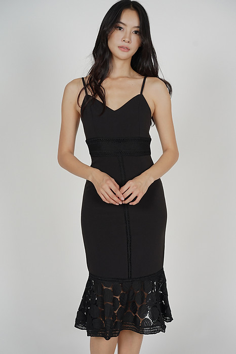 Bellari Lace Dress in Dusky Black