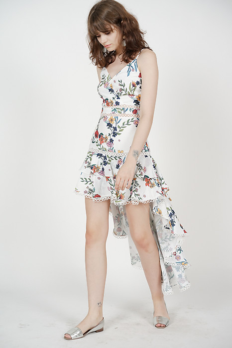 Gardenia Ruffled Dress in White Floral