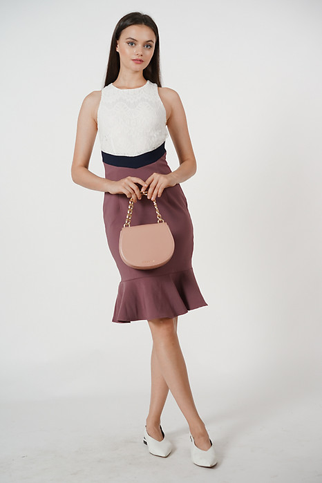 Contrast Flare-Hem Dress in Dark Mauve