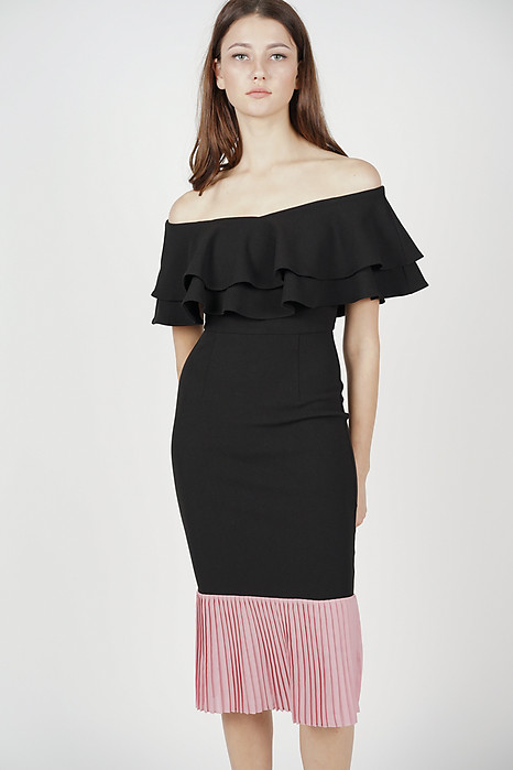 Pleated-Hem Mermaid Dress in Black