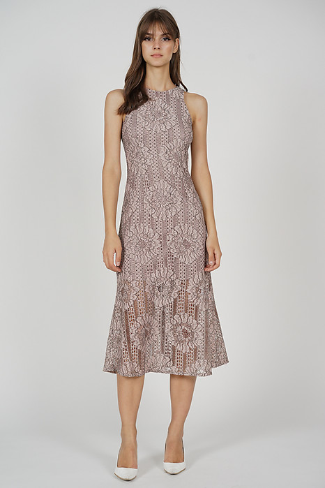 Riefa Lace Dress in Pink