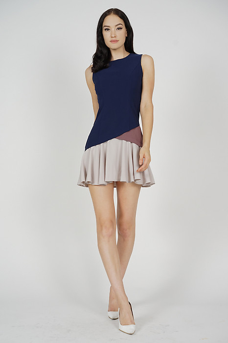 Tarias Color-Block Dress in Midnight
