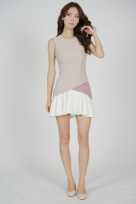 Tarias Color-Block Dress in Nude