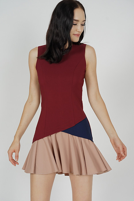 Tarias Color-Block Dress in Oxblood
