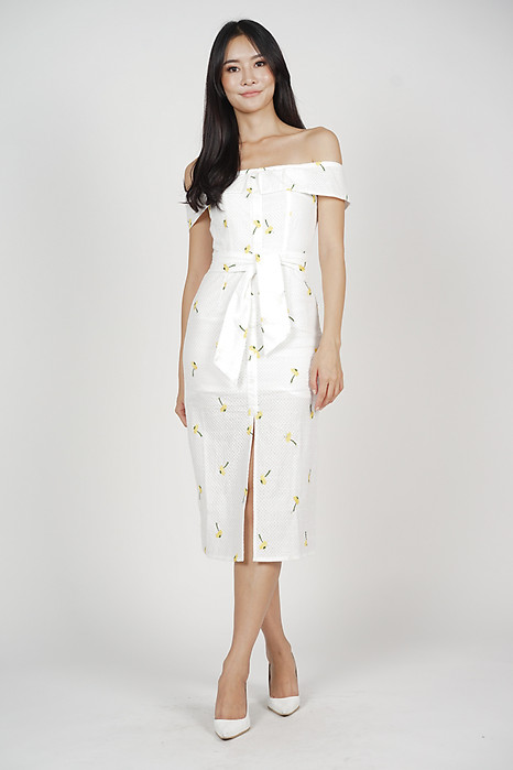 Ereni Slit Dress in Yellow Floral