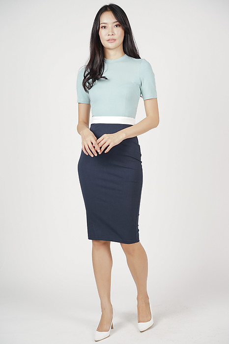 Leiya Contrast Dress in Ash Blue