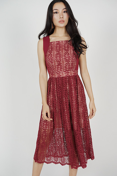 Jovita Lace Dress in Maroon
