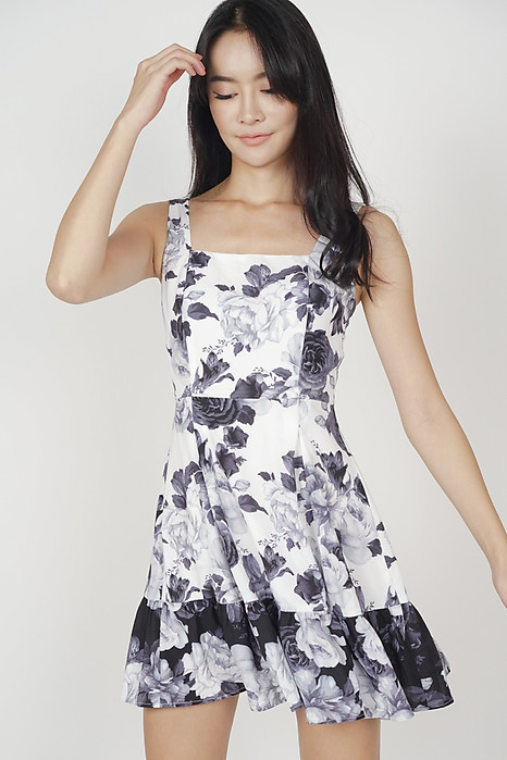 Lilis Flare Dress in White Floral