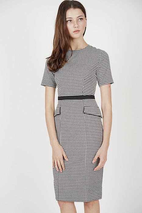Jessiella Dress in Black Houndstooth
