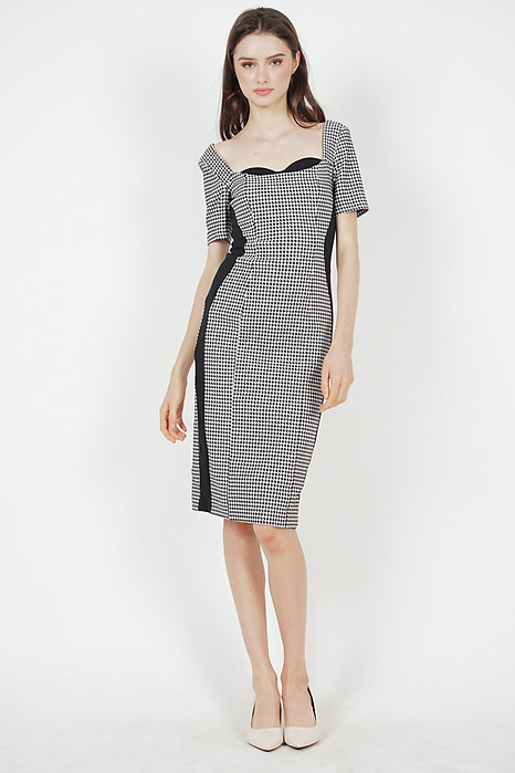 Gessica Bodycon Dress in Houndstooth