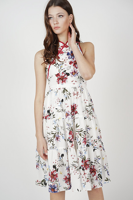 Sielri Tiered Dress in White Floral