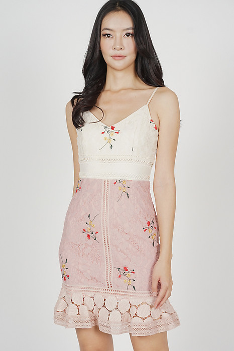 Lindea Ruffled-Hem Dress in Cream Pink