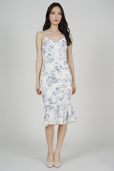 Kyrina Ruffled-Hem Dress in White Blue Floral