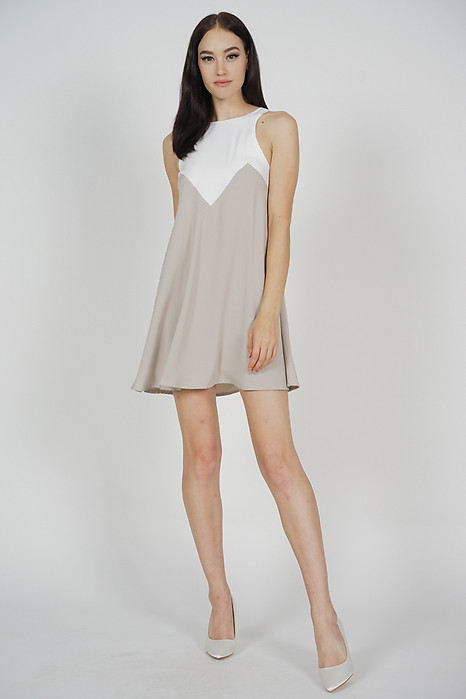 Karina Swing Dress in White Taupe