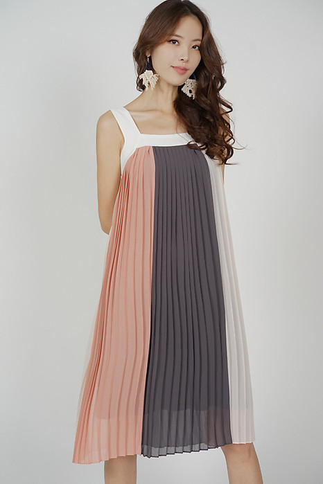 Serzo Color-Block Pleated Dress in Pink - Arriving Soon