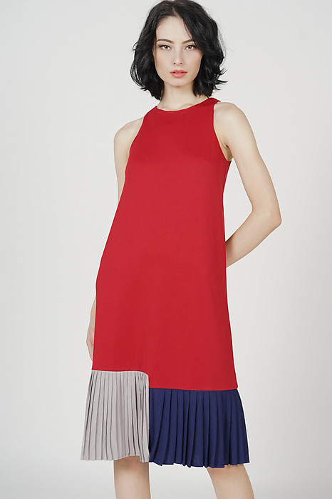 Darlton Pleated-Hem Dress in Red