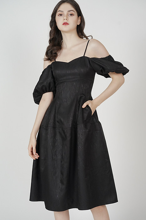 Lesla Puffy Dress in Black