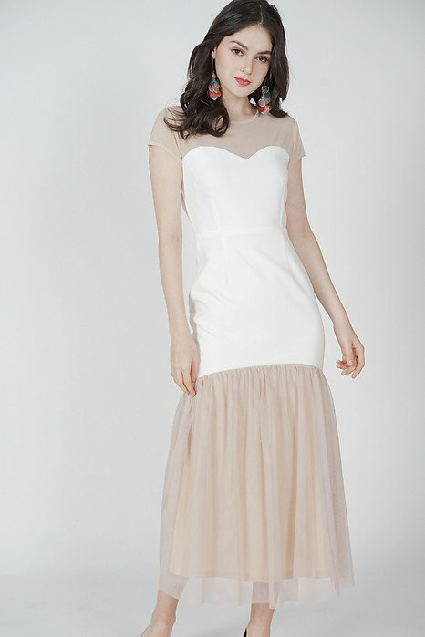 Leras Ruffled-Hem Dress in White