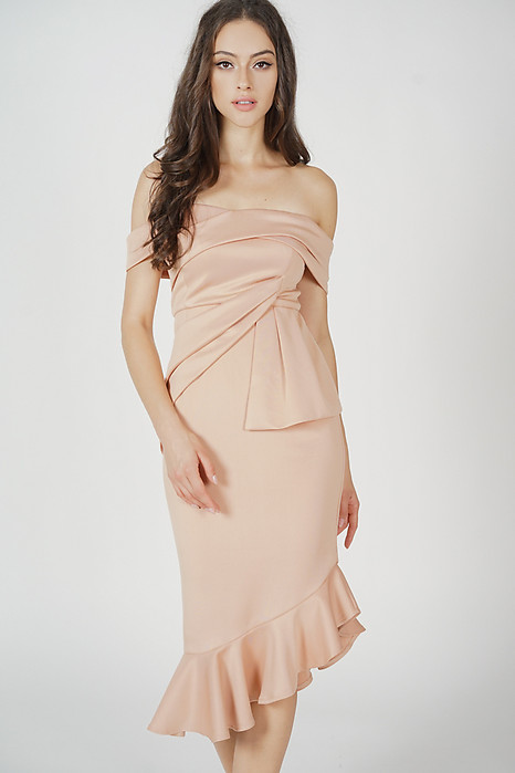 Lenya Ruffled Dress in Nude