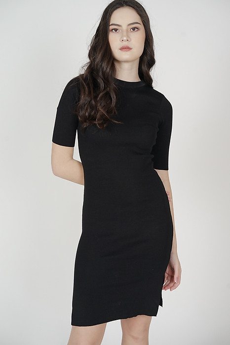 Brinley Sleeved Dress in Black