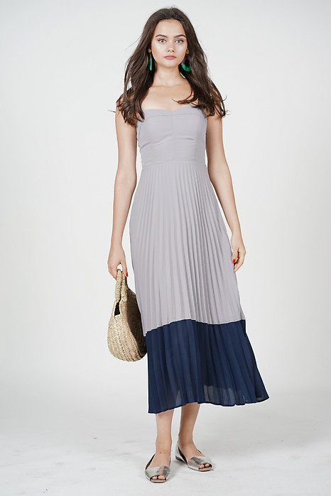 Janessa Pleated Dress in Ash Grey