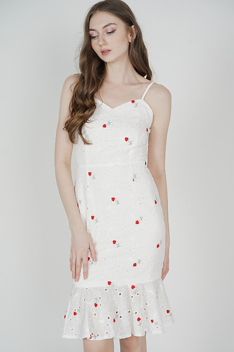 Avril Ruffled-Hem Dress in Eyelet Floral