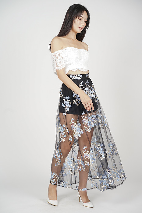 Sundance Skirt in Black White Floral