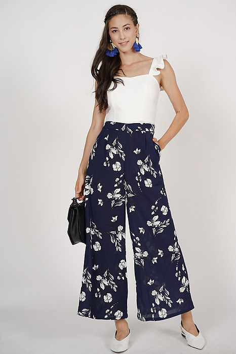 Wide-Leg Pants in Navy Floral