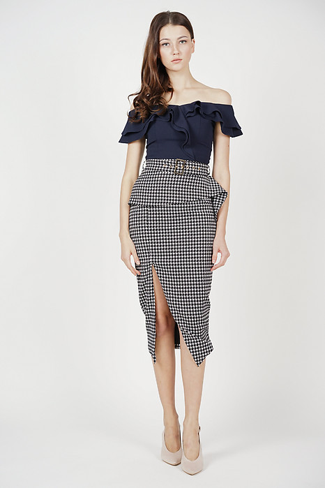 Fold-Over Pencil Skirt in Houndstooth