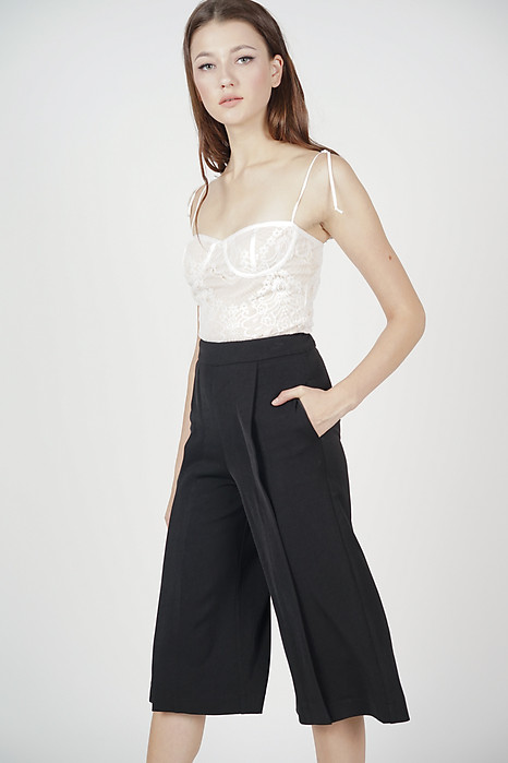 Eavan Pleated Culottes in Black