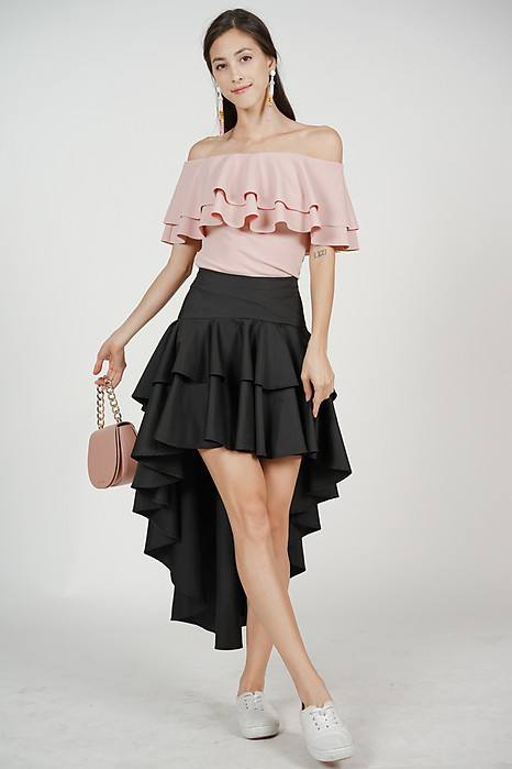 Asymmetrical Ruffled Skirt in Black