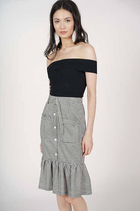 Buckled Ruffle-Hem Skirt in Black Checks