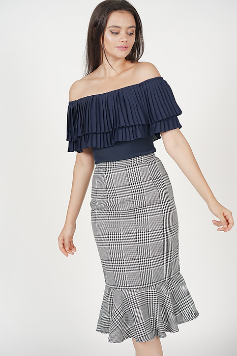 Contemporary Mermaid Skirt in Houndstooth Checks